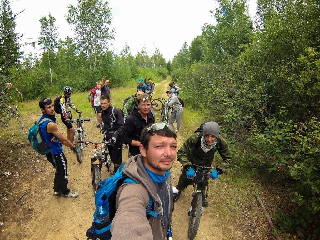 Велосипедисты заблудились на Яблоновом хребте, ну не заблудились, а свернули не туда, так иногда бывает