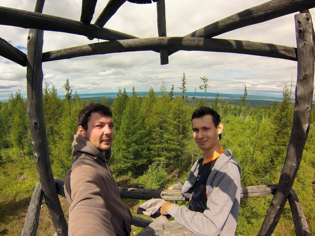 Залезли на смотровую вышку на горе Хороходала