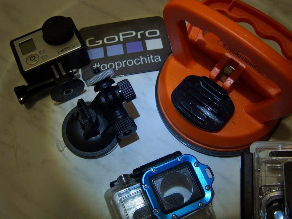 Присоска от видео регистратора и присоска на 40кг с приклееной площадкой для GoPro