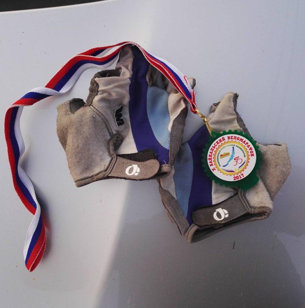 Медаль финишера Байкальского веломарафона 2017